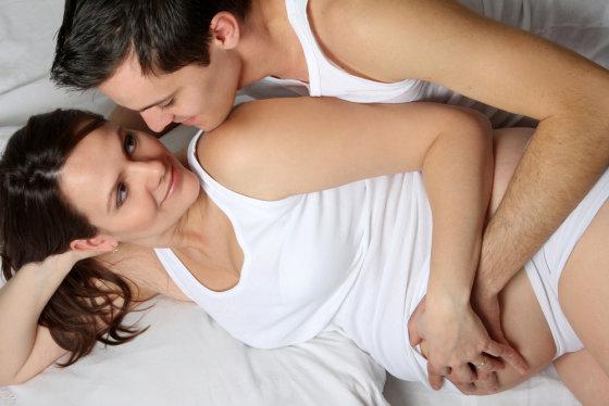 Shutterstock nuotr./Nesilaukianti moteris su vyru