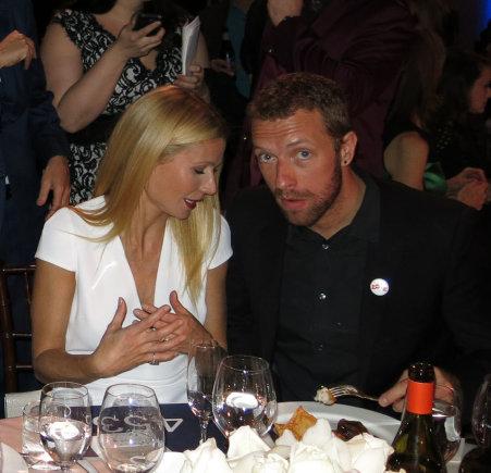 """AOP nuotr./Gwyneth Paltrow ir Chrisas Martinas 2014 metų sausį """"Auksinių gaublių"""" ceremonijoje"""
