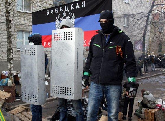 """AFP/""""Scanpix"""" nuotr./Prorusiški separatistai Donecke"""