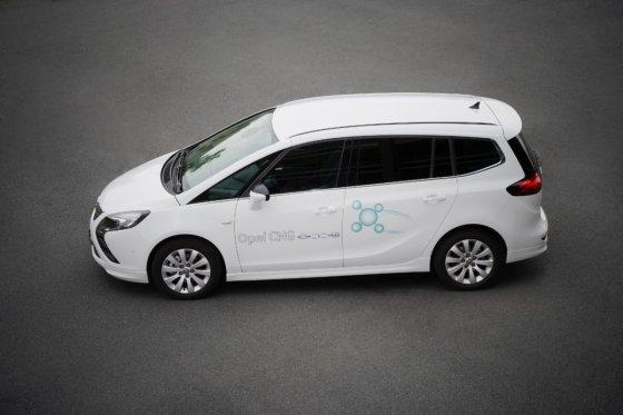 """""""Opel"""" nuotr./Gamtinėmis dujomis varomas """"Opel Zafira Tourer"""""""