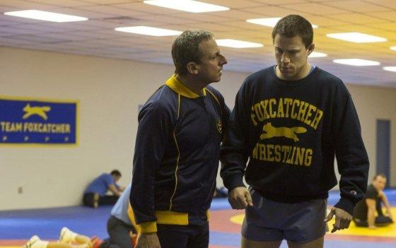 """ACME Film"" nuotr./Steve'as Carellasi ir Channingas Tatumas filme ""Foxcatcher"""
