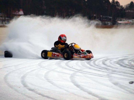 """""""P1 racing"""" nuotr./""""P1 racing"""" treniruotė ant ledo"""
