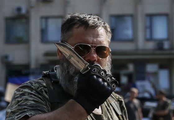 """""""Reuters""""/""""Scanpix"""" nuotr./Prorusiškas teroristas Kramatorske"""