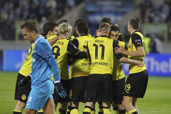 """""""Reuters""""/""""Scanpix"""" nuotr./""""Borussia"""" futbolininkai įveikė """"Zenit"""" žaidėjus"""