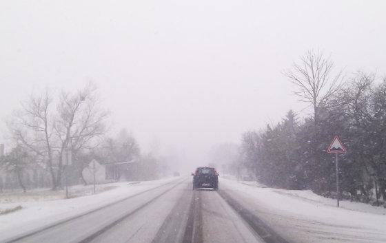15min.lt nuotr./Sniegas kelyje