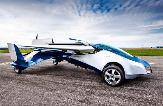 """""""AeroMobil 3"""" skraidantis automobilis"""