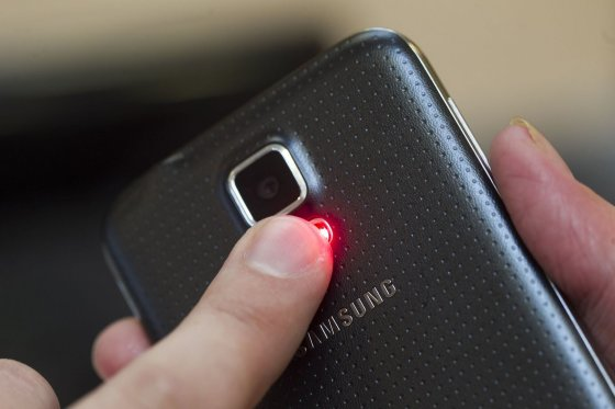 "Irmanto Gelūno/15min.lt nuotr./Naujasis ""Samsung Galaxy S5"""