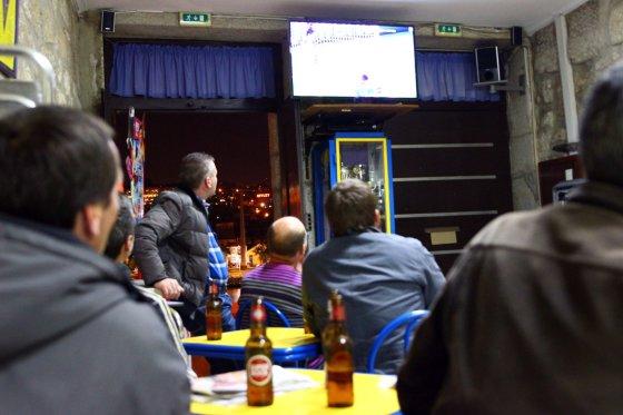 Manto Bertulio nuotr./Lankantis Portugalijoje privalu žiūrėti futbolą bare