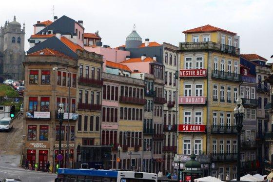 Manto Bertulio nuotr./Vienoje iš šių jaukių gatvelių yra įsikūręs mano hostelis