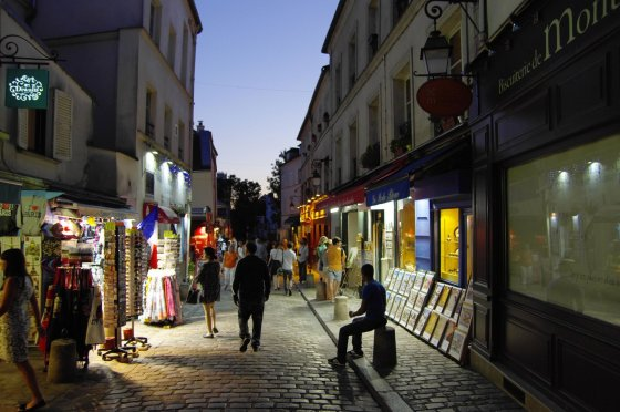 123rf.com nuotr./Paryžiuje, Monmartras naktį.