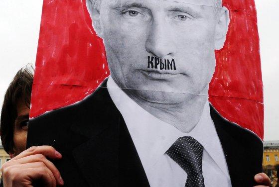 """AFP/""""Scanpix"""" nuotr./Protestas prieš Rusiją"""
