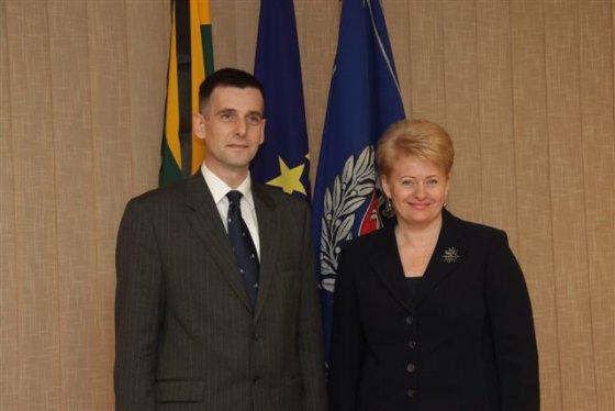 Prezidentūros nuotr./Dalia Grybauskaitė ir naujai paskirtas VSD vadovas Gediminas Grina