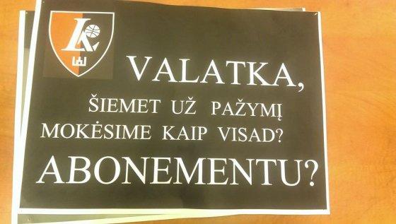 V.Valatkos nuotr. /V.Valatką pašiepiantis plakatas