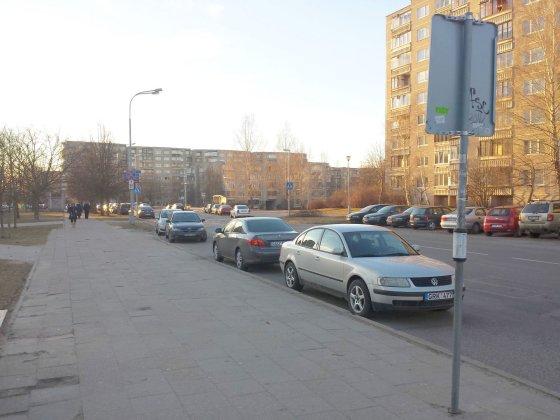 Skaitytojo Roberto nuotr./Autobusų stotelė Justiniškėse