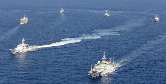 """""""Reuters""""/""""Scanpix"""" nuotr./Kinijos laivai netoli Japonijos salos Senkaku"""