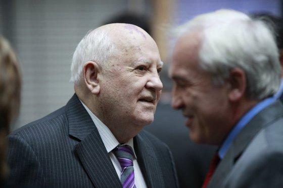 """""""Scanpix""""/""""Sipa USA"""" nuotr./Minimos Berlyno sienos griuvimo 25-osios metinės (Michailas Gorbačiovas)"""