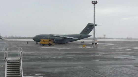 IKRAUK.LT skaitytojo nuotr./Renatas Vilniaus oro uoste nufotografavo JAV karinių oro pajėgų lėktuvą