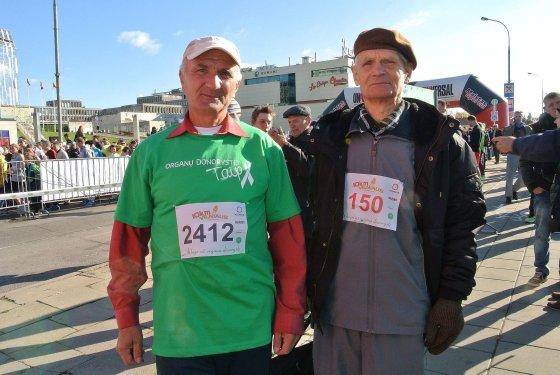 Žilvino Pekarsko/15min.lt nuotr./Stasys Laniauskas (kairėje) - po kepenų persodinimo operacijos. Jis lengvai įveikė 10 km.