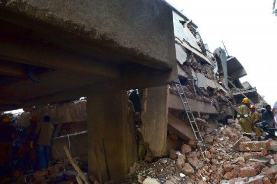 Indijoje sugriuvo namas