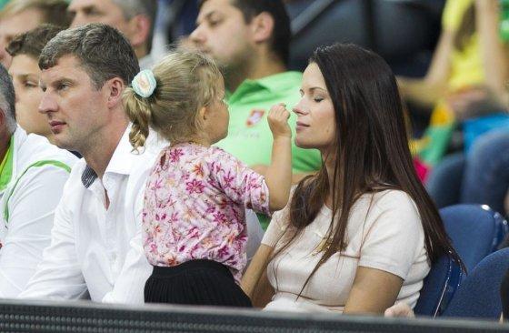 Irmanto Gelūno/15min.lt nuotr./Mingailė Kalnietė su dukra