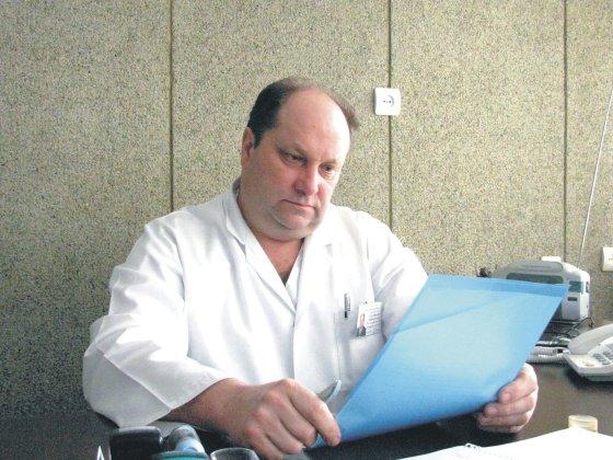 Vilmos Danauskienės nuotr./Lazdijų ligoninės vadovas V.Šimkonis teigia, kad paskutiniu metu sulaukia nemažai skundų dėl Priėmimo skyriaus gydytojo V.Mikalskio darbo ir elgesio su pacientais.
