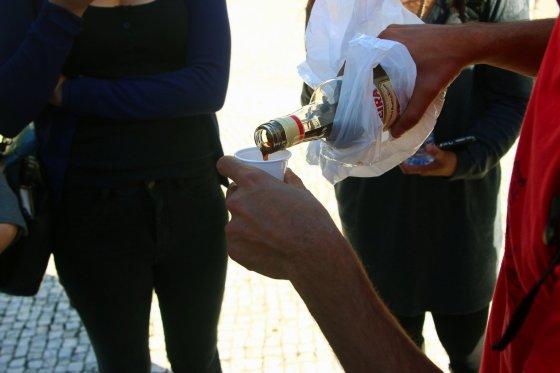 Tradicinis portugališkas gėrimas ginjinha.