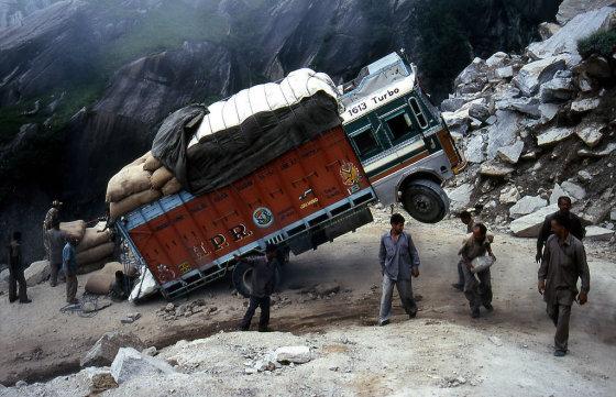 Perpildytas sunkvežimis