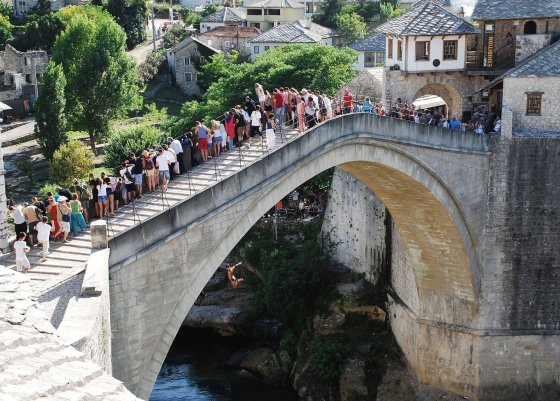 123rf.com nuotr./Senasis tiltas Bosnijoje ir Hercegovinoje