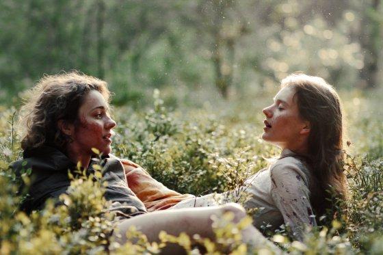"""Kadras iš filmo """"Sangailė""""/Aistė Diržiūtė (kairėje)"""