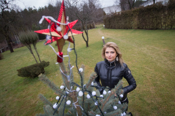 Juliaus Kalinsko/15min.lt nuotr./Jolanta Leonavičiūtė papuošė savo namus Kalėdoms