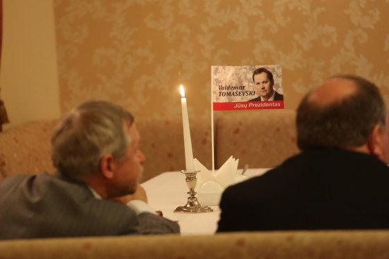 Juliaus Kalinsko/15min.lt nuotr./Valdemaro Tomaševskio šalininkai laukia rinkimų rezultatų