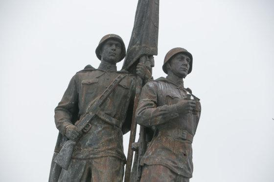 Juliaus Kalinsko/15min.lt nuotr./Žaliojo tilto skulptūros