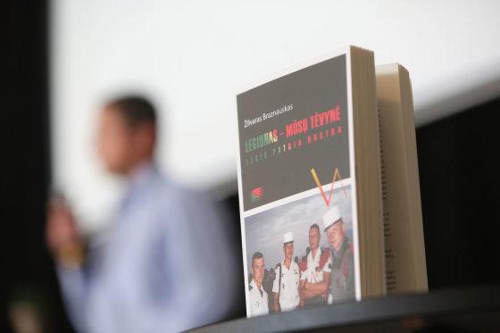 """Juliaus Kalinsko/15min.lt nuotr./Žilvaras Braznauskas pristatė savo knygą """"Legionas – mūsų Tėvynė"""""""