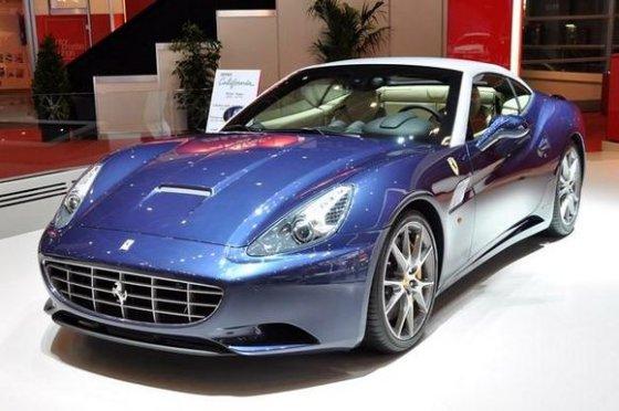 "Gamintojo nuotr./""Ferrari California"""