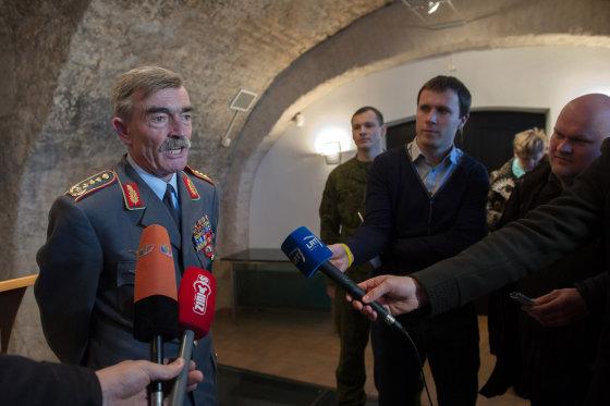 Alfredo Pliadžio nuotr./NATO generolas Hansas Lotharas Domrose