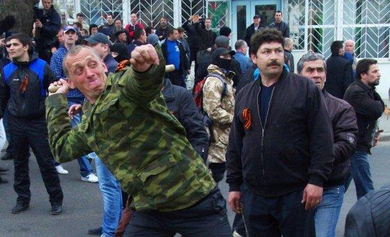 """AFP/""""Scanpix"""" nuotr./Prorusiški demonstrantai Ukrainoje"""