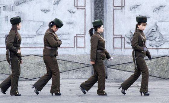 """Reuters""/""Scanpix"" nuotr./Šiaurės Korėjos kareivės"