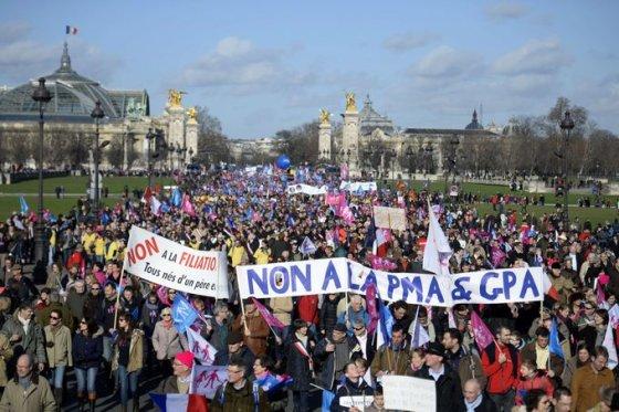 """""""Reuters""""/""""Scanpix"""" nuotr./Prancūzijoje demonstracija prieš vyriausybės """"šeimos fobiją"""""""