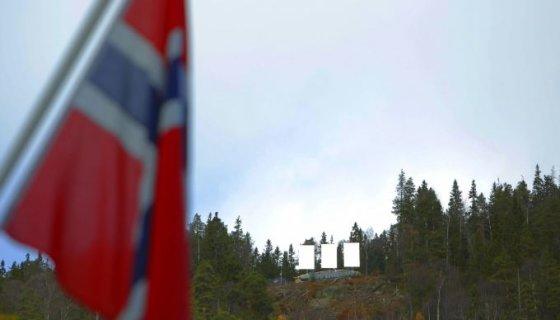 """AFP/""""Scanpix"""" nuotr./Veidrodžiai ant kalvos šalia Rjukano miestelio"""