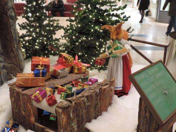 Maksim Frantovskij nuotr./Vilniaus prekybos centruose jau blizga kalėdiniai papuošimai