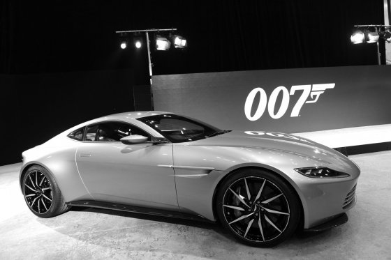 """""""Scanpix"""" nuotr./Džeimso Bondo automobilis """"Aston Martin DB-10"""""""