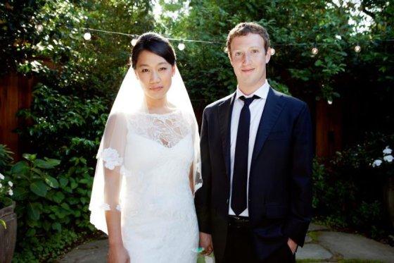 """""""Facebook"""" nuotr./""""Facebook"""" įkūrėjas Markas Zuckerbergas su žmona Priscilla Chan"""
