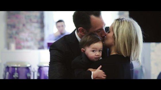 Kadras iš vaizdo įrašo/Jackas ir Sofia su sūnumi