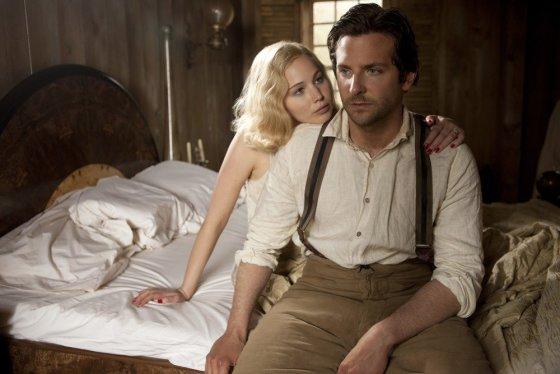"""ACME Film"" archyvo nuotr./Jennifer Lawrence ir Bradley Cooperis filme ""Serena"""
