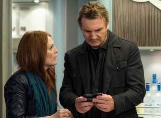 """""""ACME Film"""" archyvo nuotr./Julianne Moore ir Liamas Neesonas filme """"Non-stop"""""""
