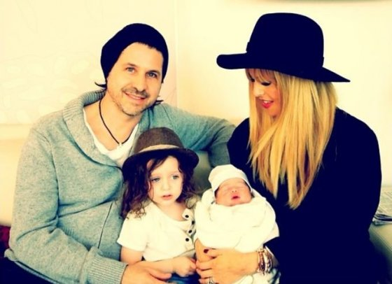 """""""Instagram"""" nuotr./Rachel Zoe su vyru Rodgeriu Bermanu ir sūnumis Skyleriu bei Kaiusu"""