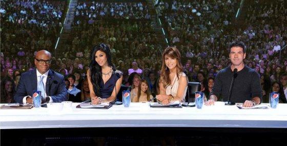 """TV6 nuotr./""""The X Factor"""" teisėjai: L.A. Reidas, Nicole Scherzinger, Paula Abdul ir Simonas Cowellas"""