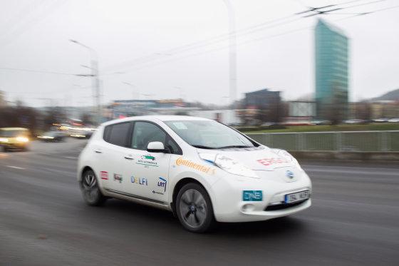 Irmanto Gelūno/15min.lt nuotr./Palyginus su eile Vakarų Europos šalių, elektromobiliai Lietuvoje turi nedaug privilegijų