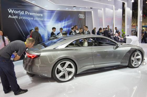 """""""Reuters""""/""""Scanpix"""" nuotr./""""Audi"""" CES 2015 parodoje"""