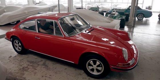 """Keturias sėdimas vietas turintis """"Porsche 911"""" konceptas"""